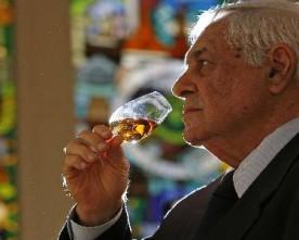"""Brasileiro vende """"maior coleção de Whisky do mundo"""""""
