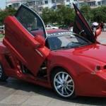 O crescente número de flagrantes relacionados a veículos de luxo na China, mais especificamente, envolvendo diferentes modelos de Ferrari...