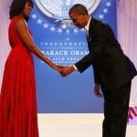 rimeira-dama-michelle-obama-dancam-durante-festa-apos-cerimonia-de-posse-no-centro-de-convencoes-walter-e-washington-em-washington-1358856931825_300x420