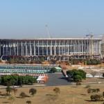 """Estádio Nacional de Brasília Mané Garrincha durante as copas das Confederações e do Mundo. Sempre que citado como sede de uma competição da Fifa, a arena deixará de ter o nome do craque do Mundial de 1962 e se chamará apenas """"Estádio Nacional de Brasília""""."""