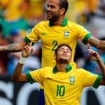 Neymar comemora o Primeiro Gol contra o Japão