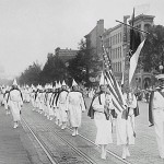 Ku_Klux_Klan_members_march_down_Pennsylvania_Avenue_in_Washington,_D_C_