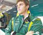 Luiz Razia acerta com a Marussia
